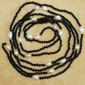 Jewelry - Jet Crystal & Freshwater Pearl Strand